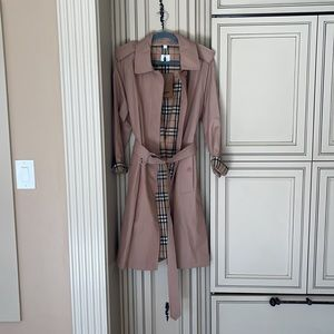 NWT Burberry tropical Gabardine belted trench coat